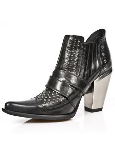Low boots rock cuir noir cloutées femme - bottines femmes artisanales
